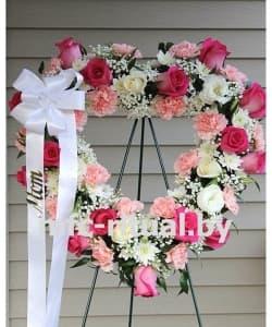 Венок-сердце из живых цветов «Признание»