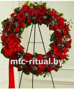 Венок из живых цветов «Красный бархат»