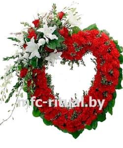 Венок-сердце из живых цветов «Преданность»