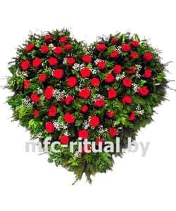 Венок-сердце из живых цветов «Вселенная»